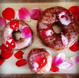 ROSE DONUTS